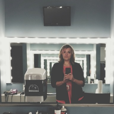 The coolest green room mirrors. They just screamed SELFIE!