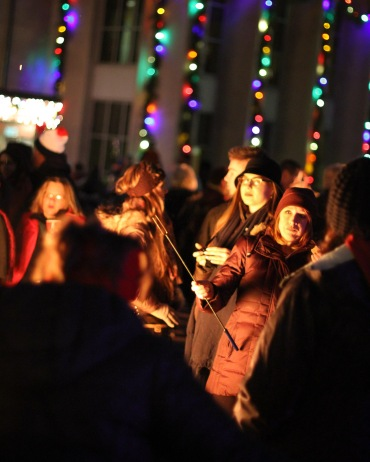 anoka-tree-lighting-blog-14